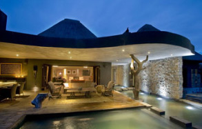 Exeter Dulini Lodge, R 4,000.00 pp